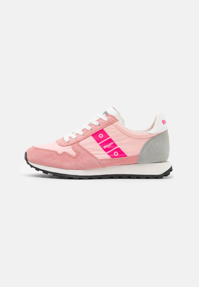 MERRILL - Sneakers laag - pink