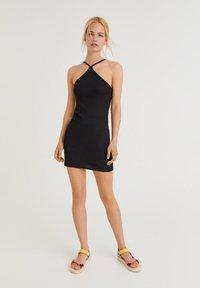 PULL&BEAR - Pouzdrové šaty - black - 1