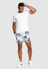 Vacay Swimwear - Swimming shorts - white - 5