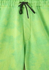 PULL&BEAR - Short - green - 3