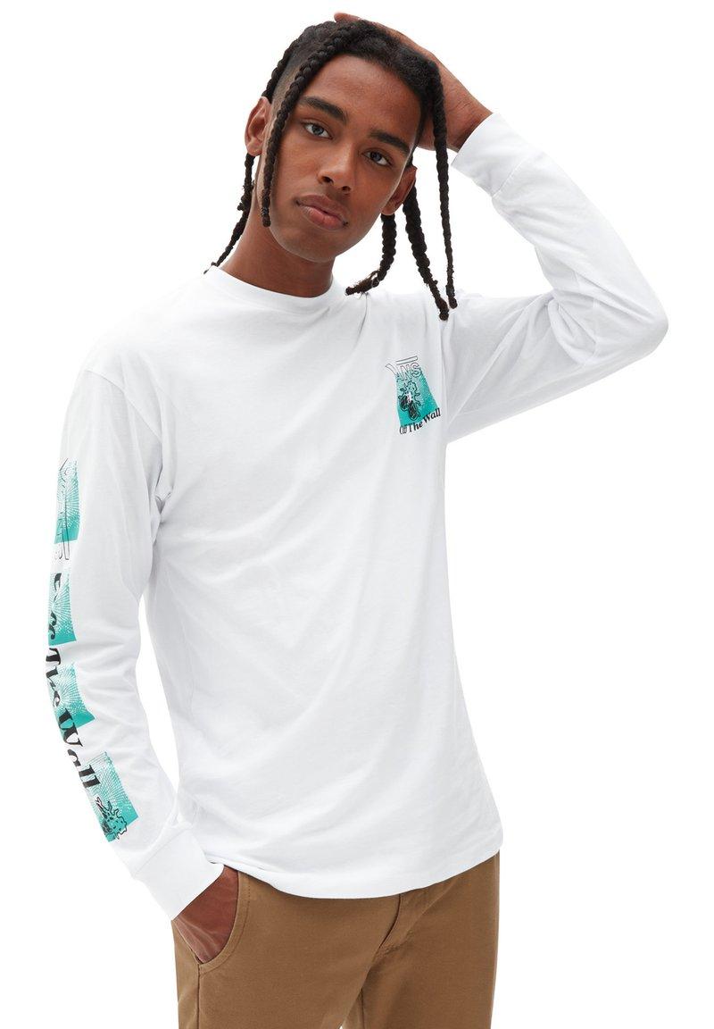 Vans - MN FLY NET LS - Long sleeved top - white
