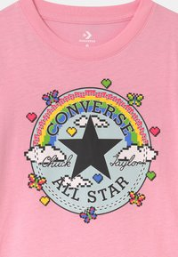 Converse - GAMER GIRL CHUCK PATCH - Triko spotiskem - just pink - 2