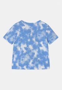 GAP - TODDLER BOY MICKEY MOUSE - Print T-shirt - blue - 1