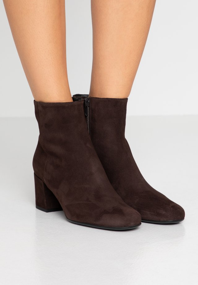 ANGELIS - Ankle boot - nougat