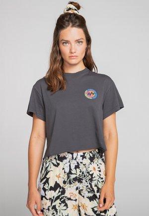 ROUNDHOUSE - Print T-shirt - off black