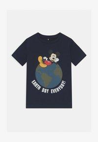 Name it - DISNEY MICKEY MOUSE NIKS - Print T-shirt - dark sapphire - 0