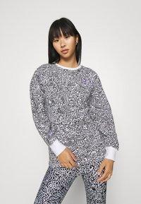 Puma - CREW - Sweatshirt - white - 0
