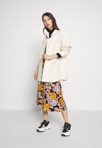 Monki - ALLISON - Button-down blouse - white light unique - 1