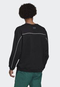 adidas Originals - CREW SWEATSHIRT - Sweatshirt - black - 1