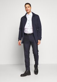 Bertoni - BLOCH TROUSER - Trousers - dark blue - 1