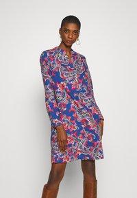 Emily van den Bergh - Denní šaty - blue/multi-coloured - 1