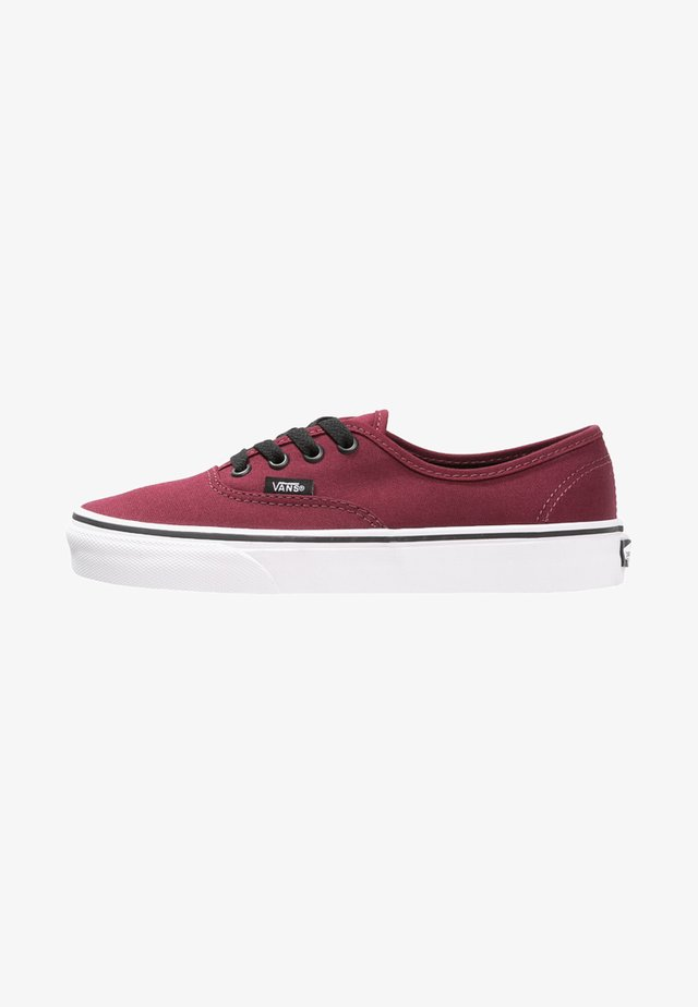 AUTHENTIC - Obuwie deskorolkowe - port royale/black