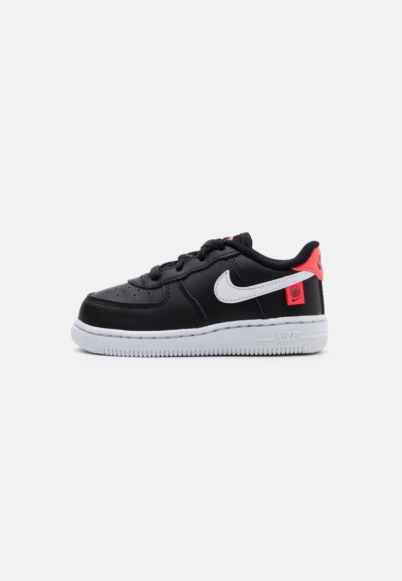 Nike Sportswear - FORCE 1 - Trainers - black/white/flash crimson