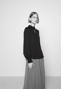 Bruuns Bazaar - BAUMA TINIA SHIRT - Blouse - black - 3