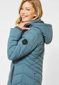 Cecil - Winter coat - grün - 0