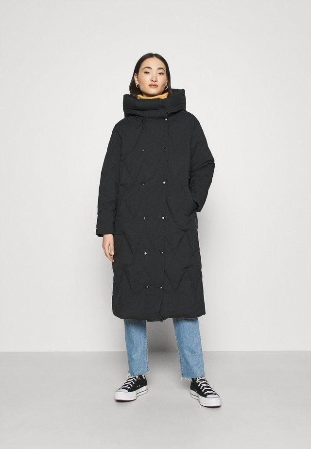 VMPUFFY LONG JACKET - Winter coat - black