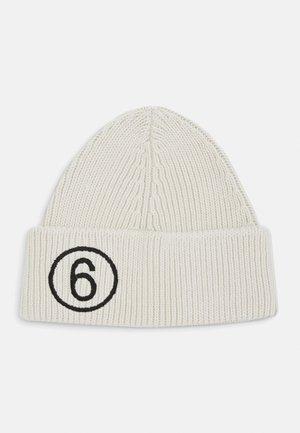 Bonnet - off white
