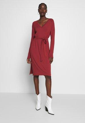 RYAN - Jersey dress - russet brown