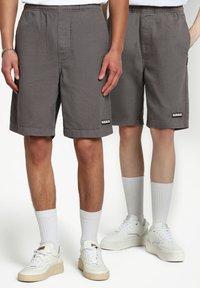 Napapijri - Shorts - grey gargoyle - 3