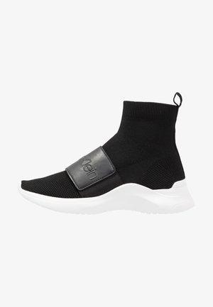 UNI - Zapatillas altas - black
