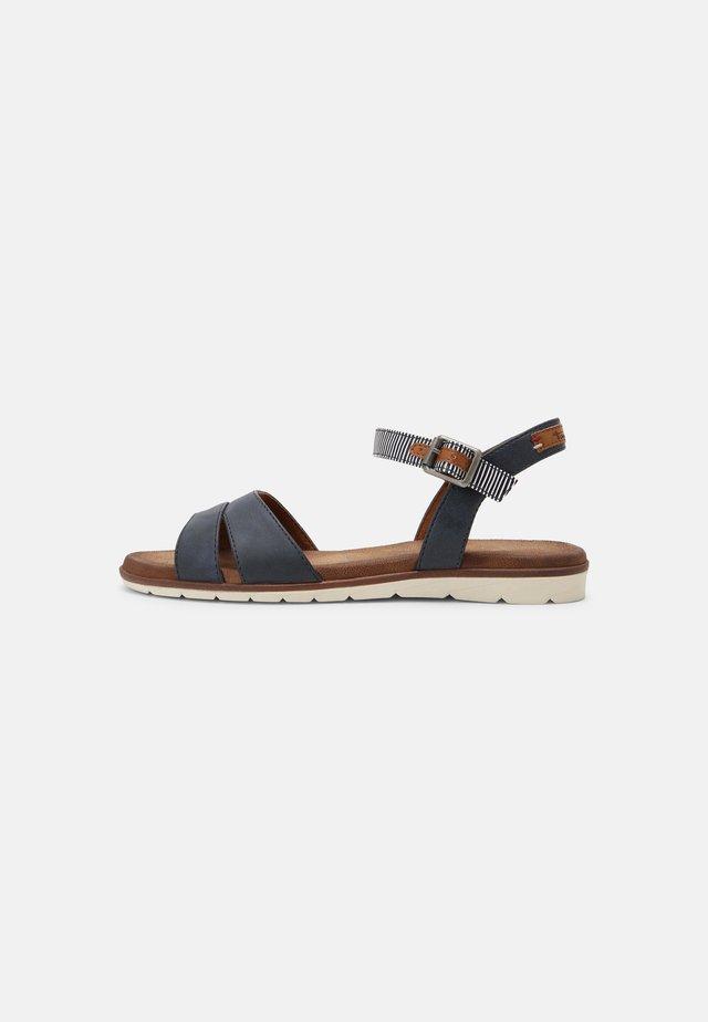 Sandals - navy comb