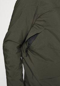 Peak Performance - MAROON LONG JACKET - Ski jacket - coniferous green - 4