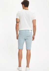 DeFacto - Shorts vaqueros - turquoise - 2