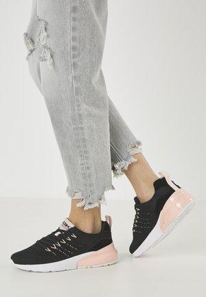 TURON - Sneakersy niskie - black/peach