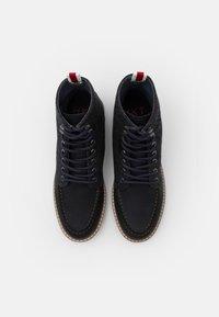 HKT by Hackett - WORK BOOT - Šněrovací kotníkové boty - navy - 3