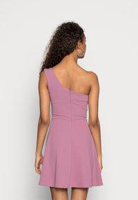 WAL G. - ANNIE ONE SHOULDER SKATER DRESS - Cocktail dress / Party dress - mauve pink - 2