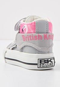 British Knights - ROCO - Baby shoes - lt grey/flamingo - 3