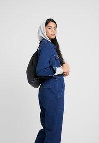 Nike Sportswear - HERITAGE UNISEX - Rucksack - black - 5