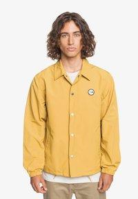 Quiksilver - Light jacket - honey - 0