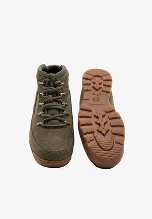 HERITAGE  - Sneakersy wysokie - green