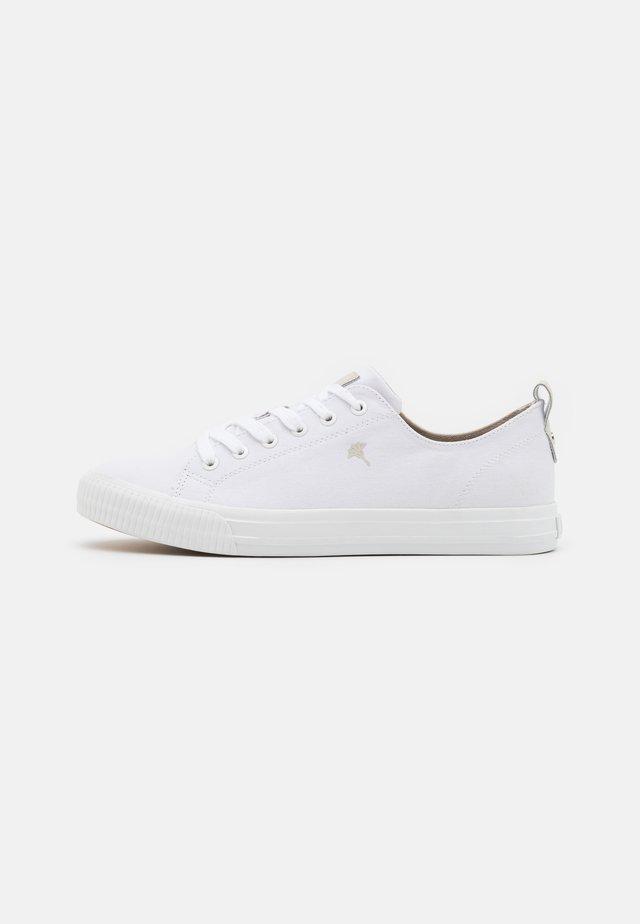 VASCAN - Trainers - white
