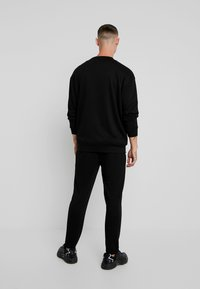 Urban Classics - TERRY CREW - Sweatshirt - black - 2