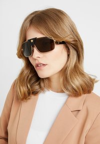 Versace - Sonnenbrille - gold-coloured - 3
