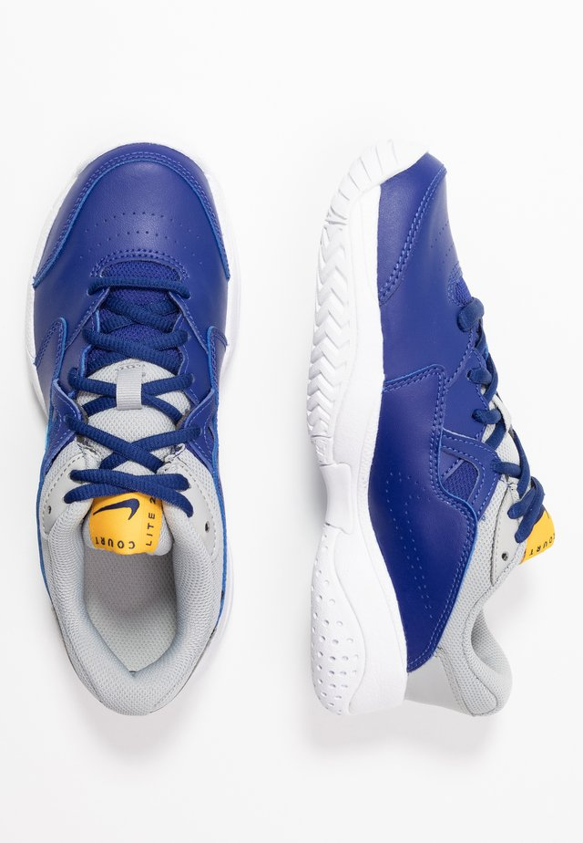COURT LITE 2 - Multicourt Tennisschuh - deep royal blue/coast/light smoke grey