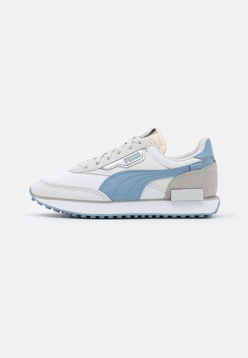FUTURE RIDER TONES - Trainers - white/forever blue