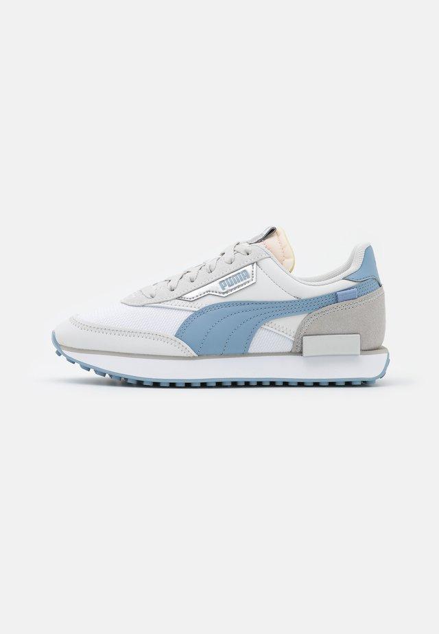 FUTURE RIDER TONES - Zapatillas - white/forever blue