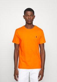 Polo Ralph Lauren - CUSTOM SLIM FIT JERSEY CREWNECK T-SHIRT - Basic T-shirt - sailing orange - 0