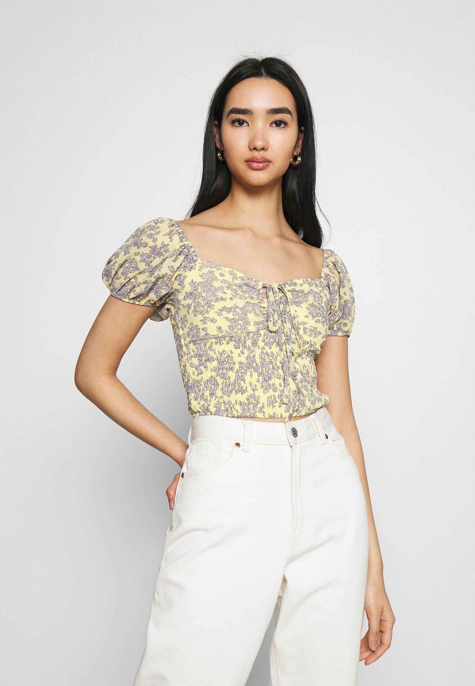 Women FLORAL RUCHED NECK SHIRRED WAIST - Blouse