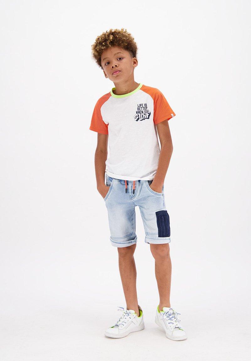 Vingino - CRUZ - Denim shorts - light indigo