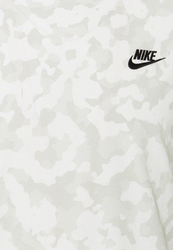 Nike Sportswear TEE CLUB HOOK - T-shirt z nadrukiem - summit white/biały Odzież Męska TXTV