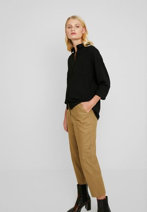 ALIYAH PANTS - Trousers - caramel