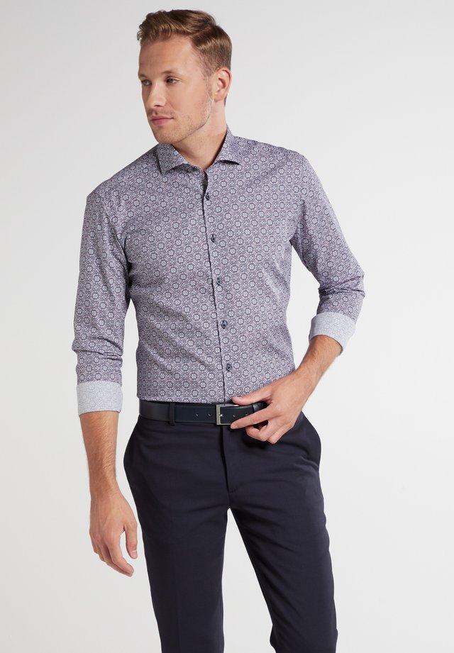 SUPER-SLIM - Zakelijk overhemd - blau/rot