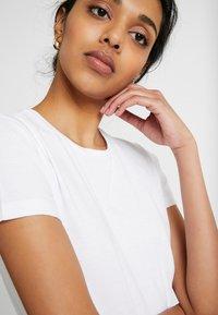 ONLY Tall - ONLPURE LIFE O NECK 2 PACK - Basic T-shirt - black/bright white - 3