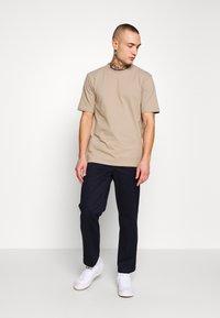 Minimum - SIMS - Basic T-shirt - seneca rock - 1