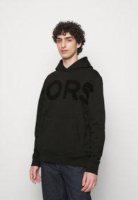 Michael Kors - LOGO HOODIE - Sweatshirt - black - 0