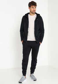Nike Performance - THERMA  - Fleecejacke - black/dark grey - 1